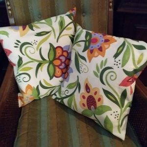 Floral Pillow Covers Pair Lovely Colors 16 inch Sq